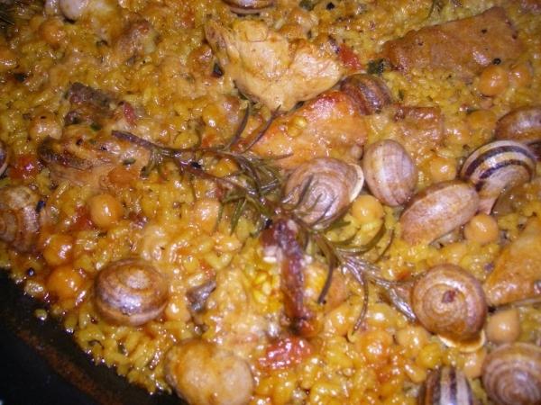Arroz con pollo y caracoles