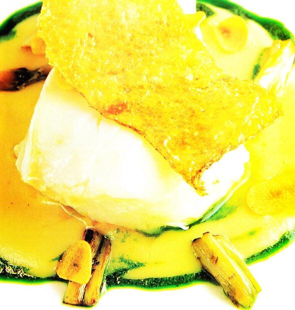 Bacalao confitado con crema de ajos tiernos