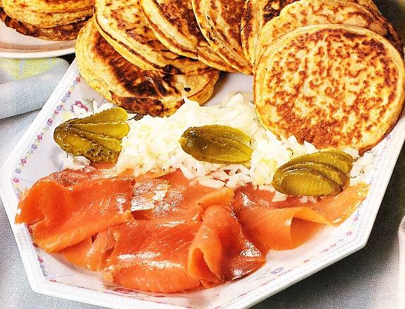 Blinis con salmón ahumado