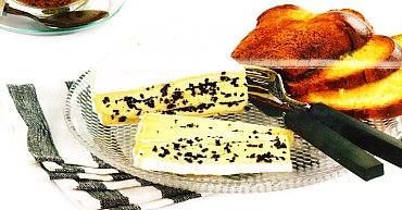 Brie macerado con trufa
