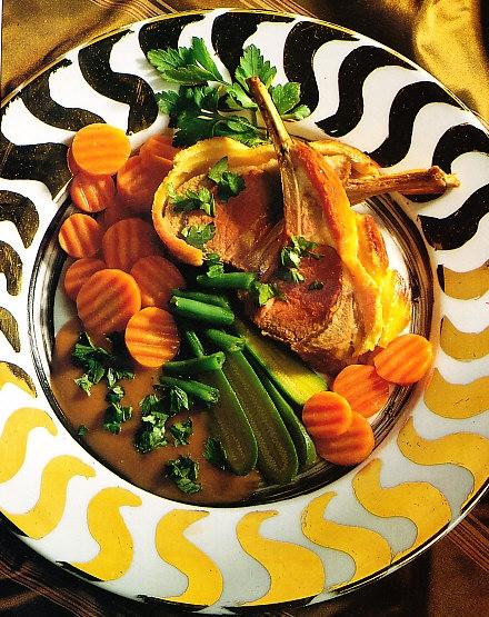 Costillas de cordero con judías verdes y zanahorias