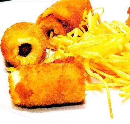 Empanados de salchicha y dátil