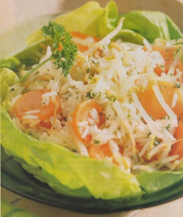 Ensalada de arroz basmati con brotes de soja