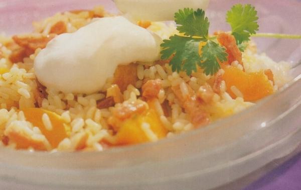 Ensalada de arroz con albaricoques y bacon
