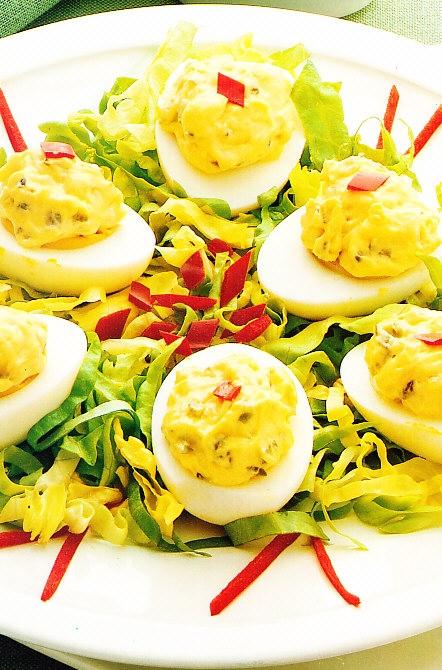 Huevos duros con espárragos