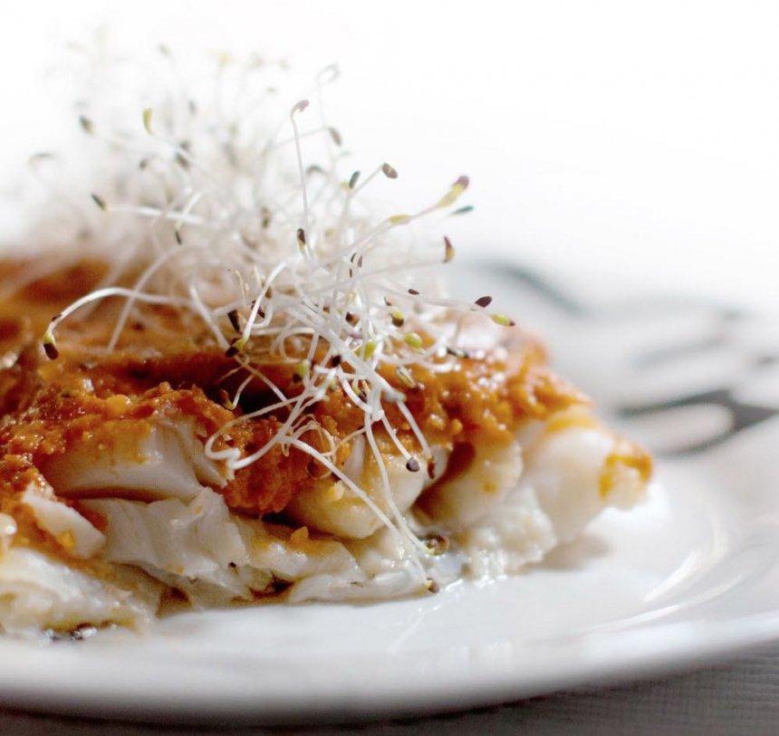 Morro de bacalao con salsa romesco