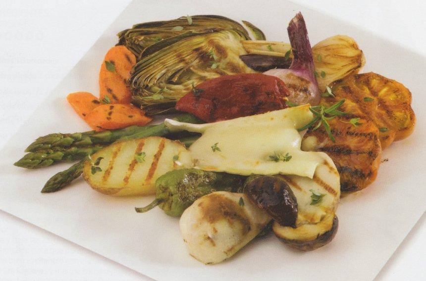 Parrillada de verduras con queso brie