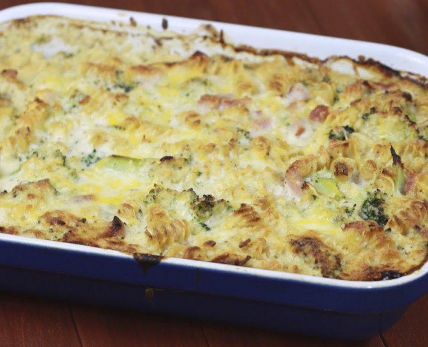 Pasta con brócoli y coliflor