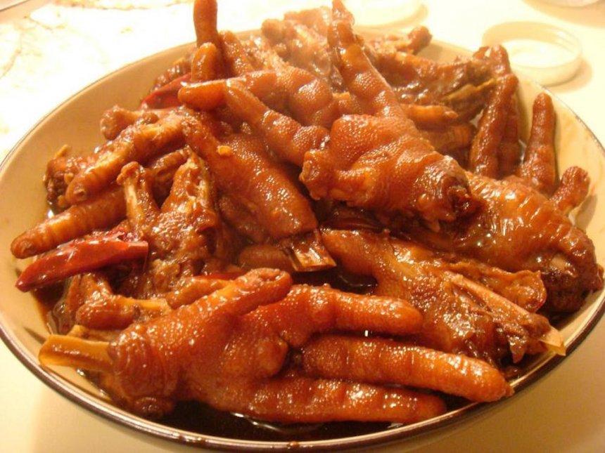 Patitas de pollo guisadas