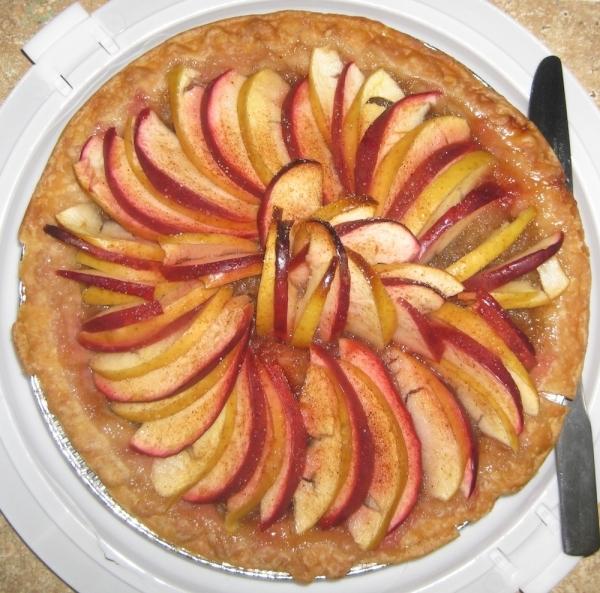 Tarta de manzana y mermelada de melocotón