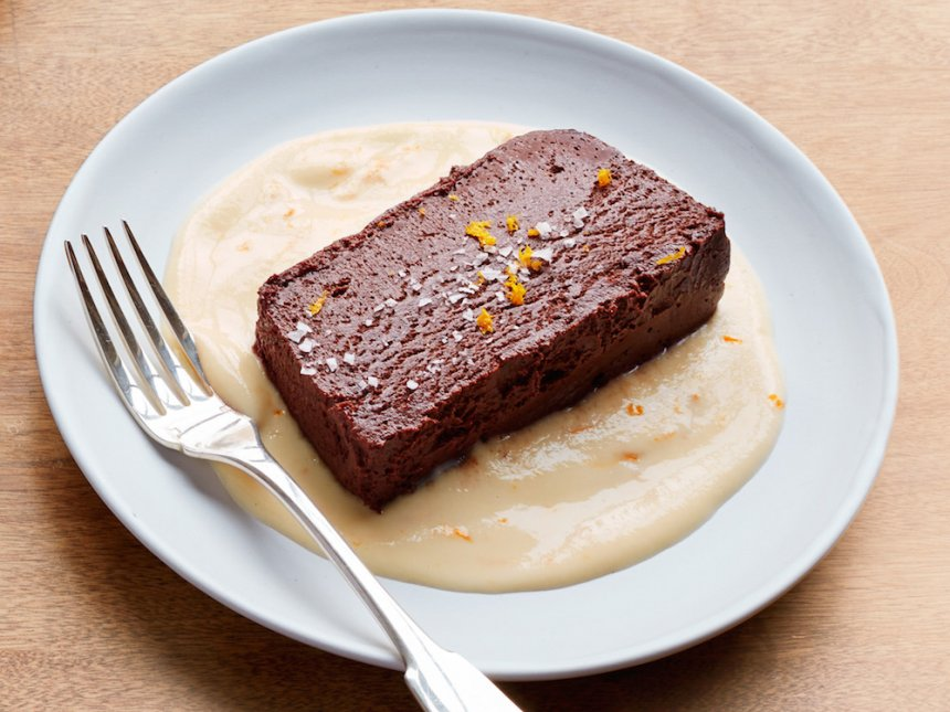 Terrina de chocolate con coulis de melón