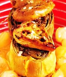 Alcachofas rellenas de setas de calabaza con hígado de pato