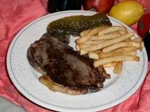 Bistec con patatas fritas