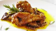 Cazuela de pollo de corral con setas