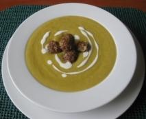 Crema de verduras con albóndigas de langostinos