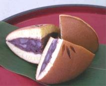Dorayaki relleno de alubia roja confitada