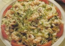 Ensalada de arroz con frutos del mar