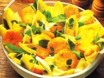 Ensalada de endibias y queso frito
