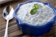 Ensalada griega de pepino y yogur
