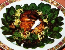 Ensalada tibia de perdiz y rovellones al vinagre de Banyuls