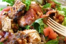 Ensalada tropical con pollo y arroz