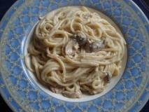 Espaguetis con crema de setas