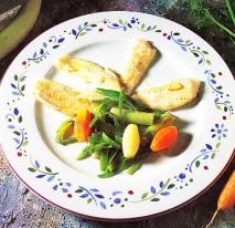 Gallo al vapor con verduras salteadas