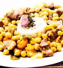 Garbanzos con cordero al curry