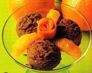 Helado de chocolate con naranja