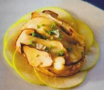 Milhojas de patata con foie y boletus
