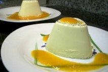 Panna cotta de vainilla con mermelada de lima