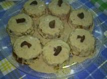 Pastelitos de pollo con níscalos (rovellones ) y salsa de foie mi-cuit