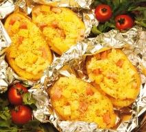Patatas rellenas de queso y jamón