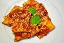 Ravioli con salsa de tomate
