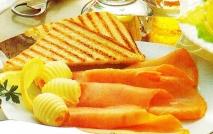 Salmón ahumado con tostadas