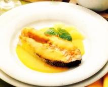 Salmón con salsa de pomelo