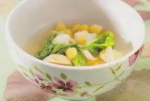 Sopa de garbanzos, coliflor, col y pollo