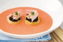 Sopa de tomate con islas de patata