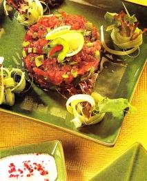 Tartar de atún con pimientos verdes