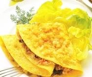 Tortilla rellena de cangrejo y setas