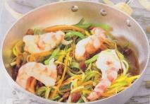 Verduras al vapor con langostinos y vinagreta de pasas