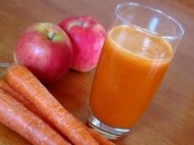 Zumo de zanahoria y manzana